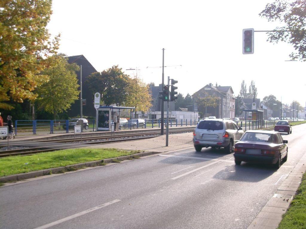 Wattenscheider Hellweg 25/Brucknerstr./außen