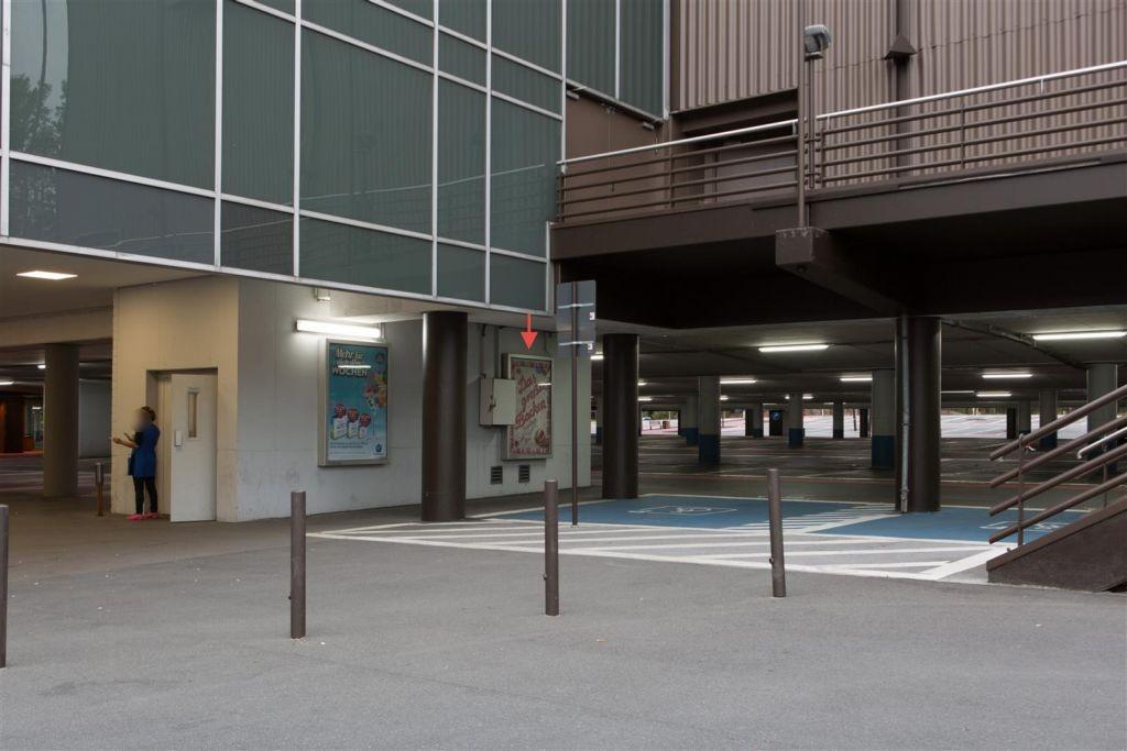 Ruhr-Park Bochum/P 8/UCI-Kino/Vitrine 02