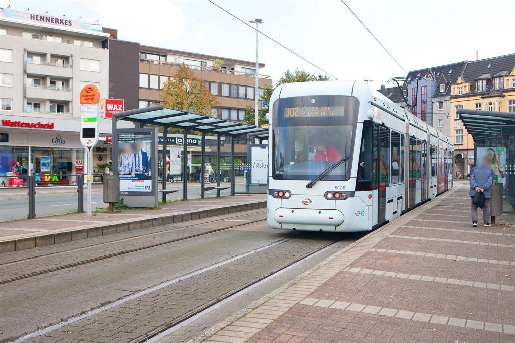 August-Bebel-Platz geg. 2c/StraBa-HST/li./We.li.