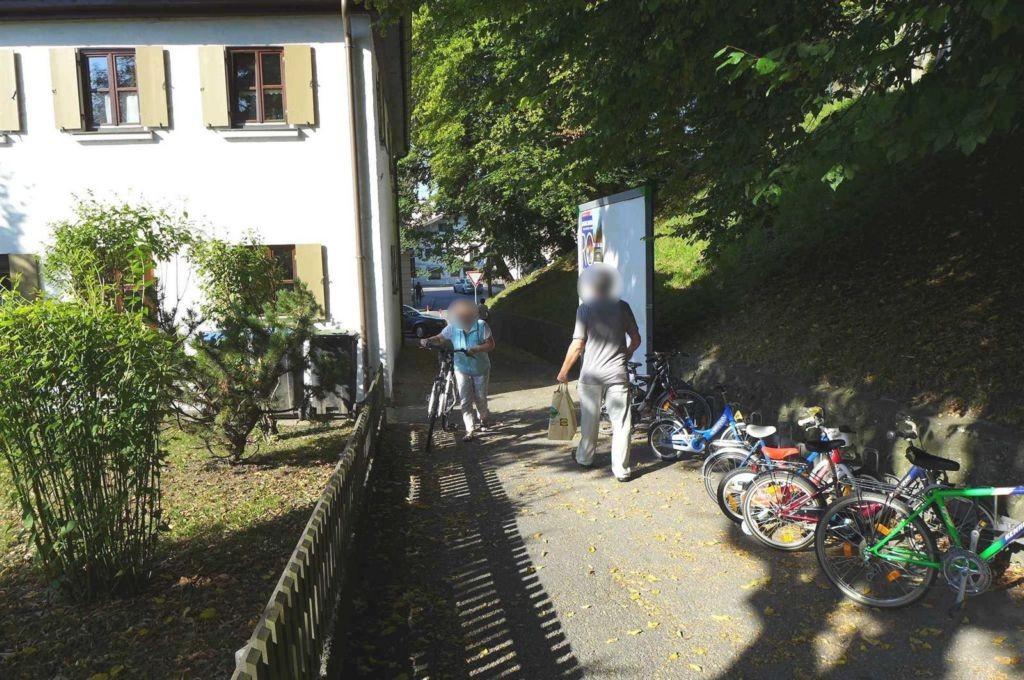 Kirchzeile/Fußweg geg.  34