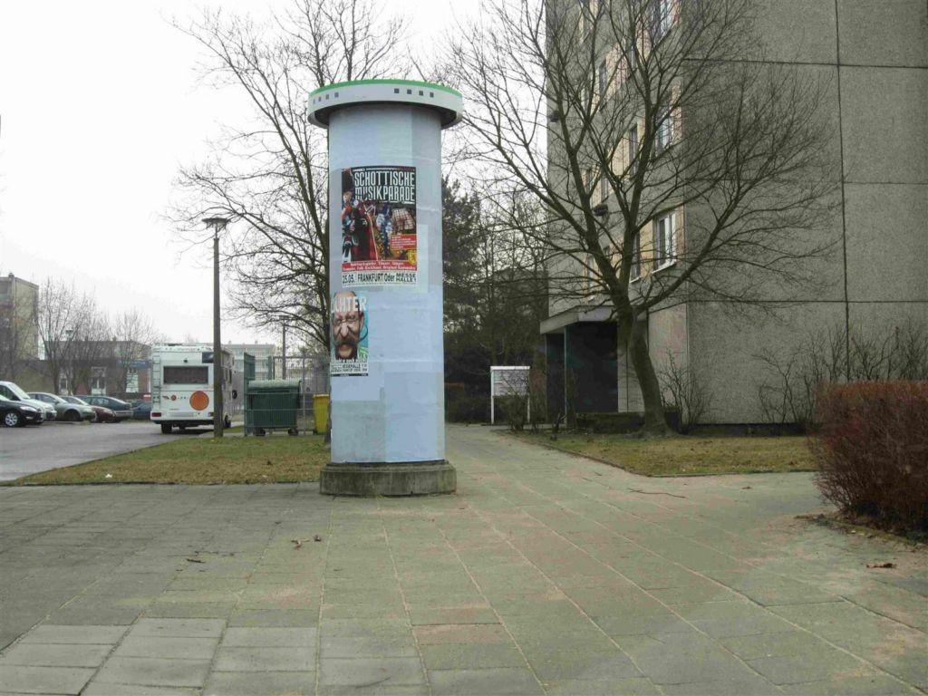 Konrad-Wachsmann-Str./Jungclaussenweg