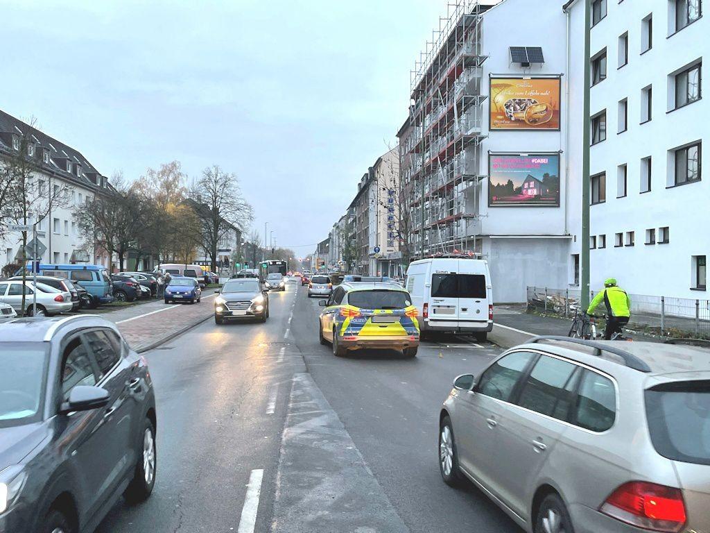 Sternbuschweg 188-190 re. quer B8