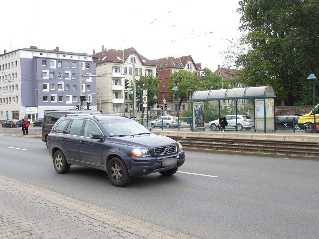 Leonhardplatz geg. Stadthalle innen