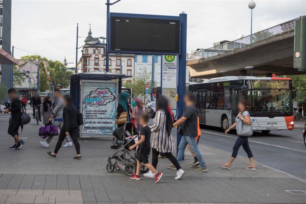 Marktplatz/Frankfurter Str. 1/Bussteig 2/außen