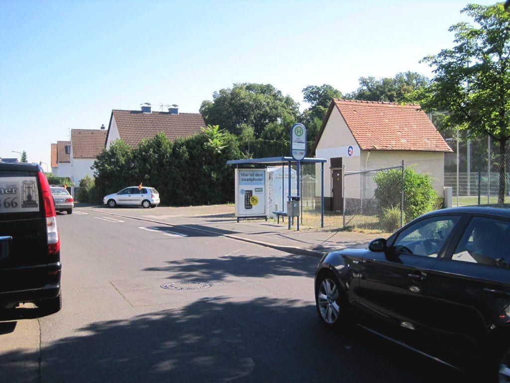 Gravenbruchweg/BSC-Sportplatz/innen