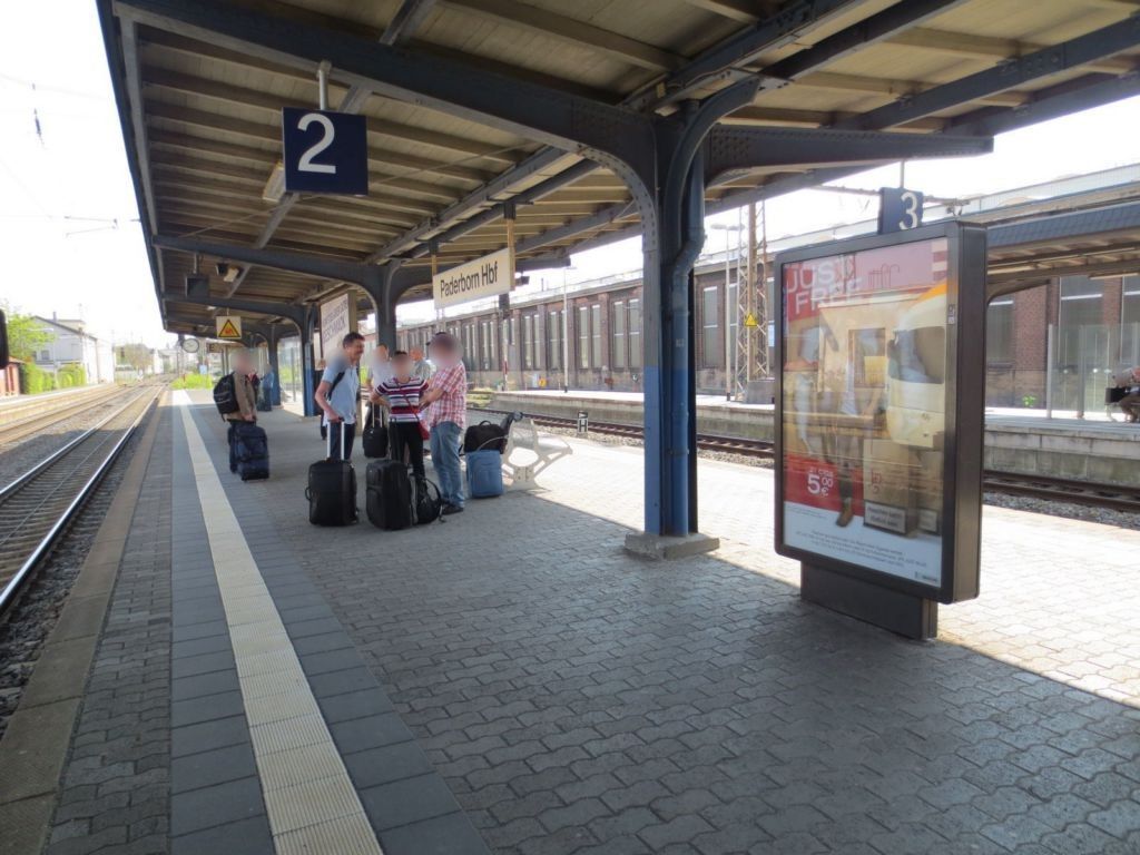 Hbf /Bahnsteig 2 li. Nh. Ausgang Aufzug