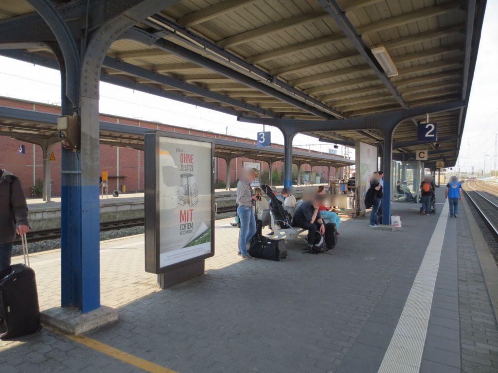 Hbf /Bahnsteig 2/Nh. Aufgang Treppe