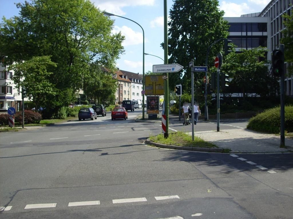 Huttropstr./Moltkestr. saw./We.re.