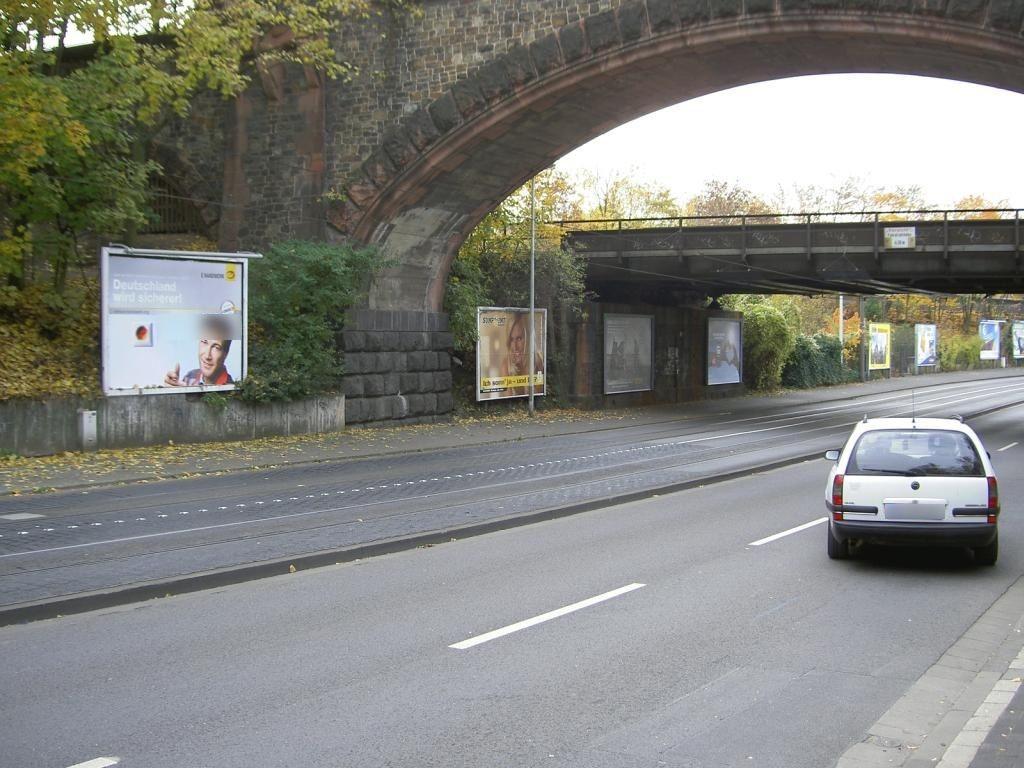 Hattenbergstr./geg. Schott/zw. Ufg./re.