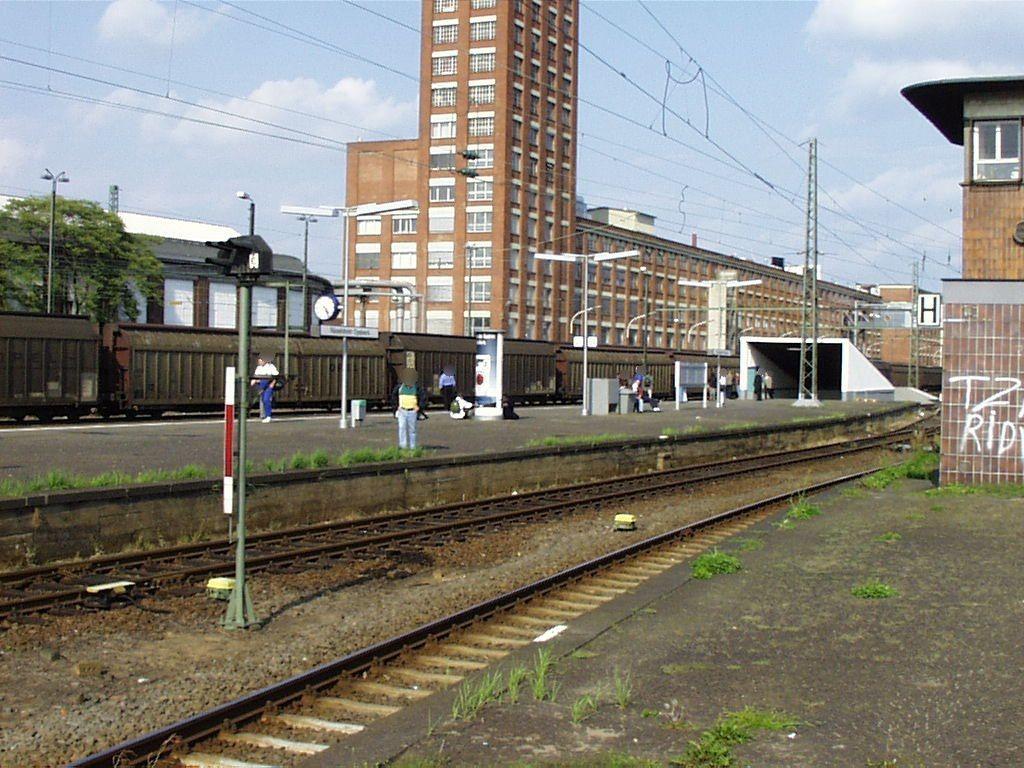 Opelwerk - Bstg. Gleis 25/27