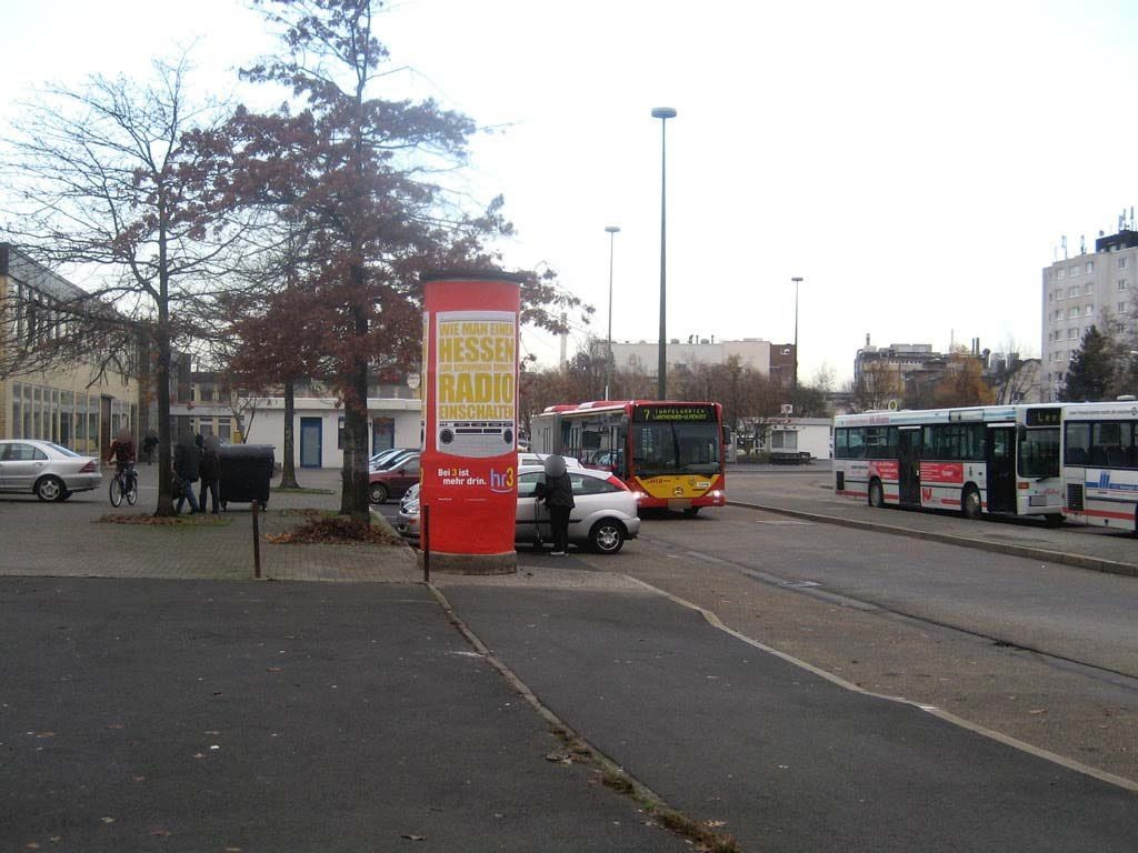 Hbf, Bahnhofsvorplatz