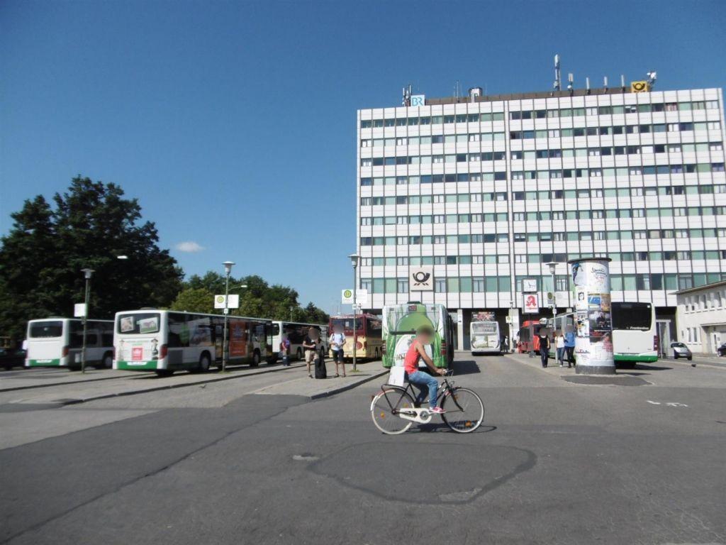 Hbf, Vorplatz, Busbahnhof