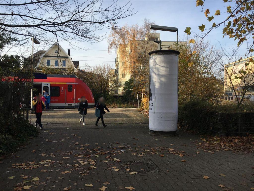 S-Bf Sindlingen, Bahnhofsvorplatz