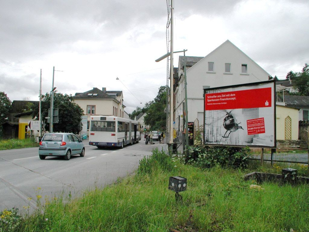 Aarstr. Nh. Bahnhofstr./Bahnüberg. B54