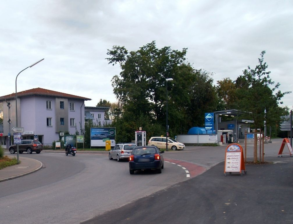 Bahnhofstr.  23/Bahnhofsplatz