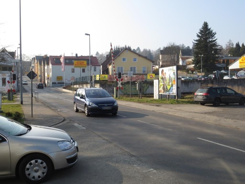 Offheimer Str. geg. Bahnhofstr./Bahnübergang
