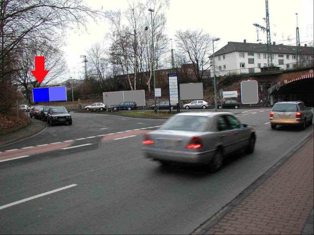 Einf. Güter-Bf., li.