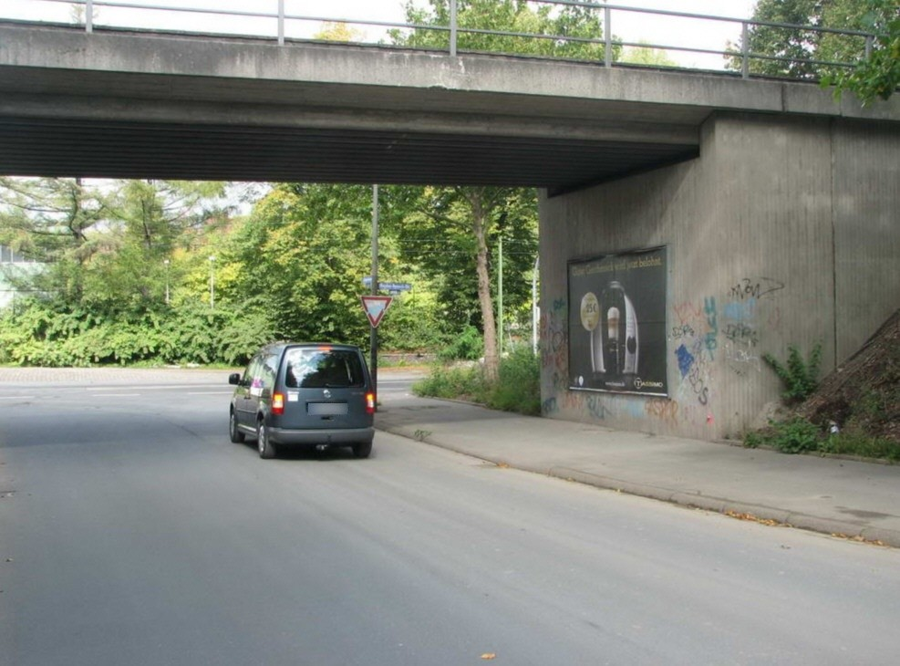 Auf dem Brümmer/Nh. Heyden-Rynsch-Str./Ufg./re.