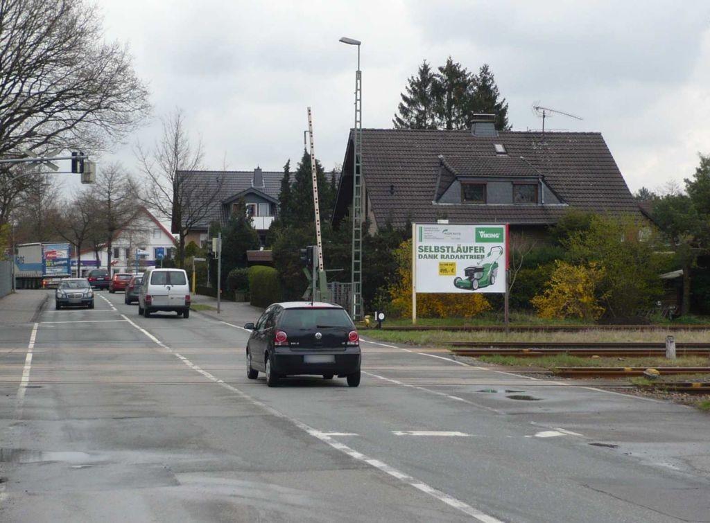 Sennelagerstr. neb. 168/Schranke Ri. B68
