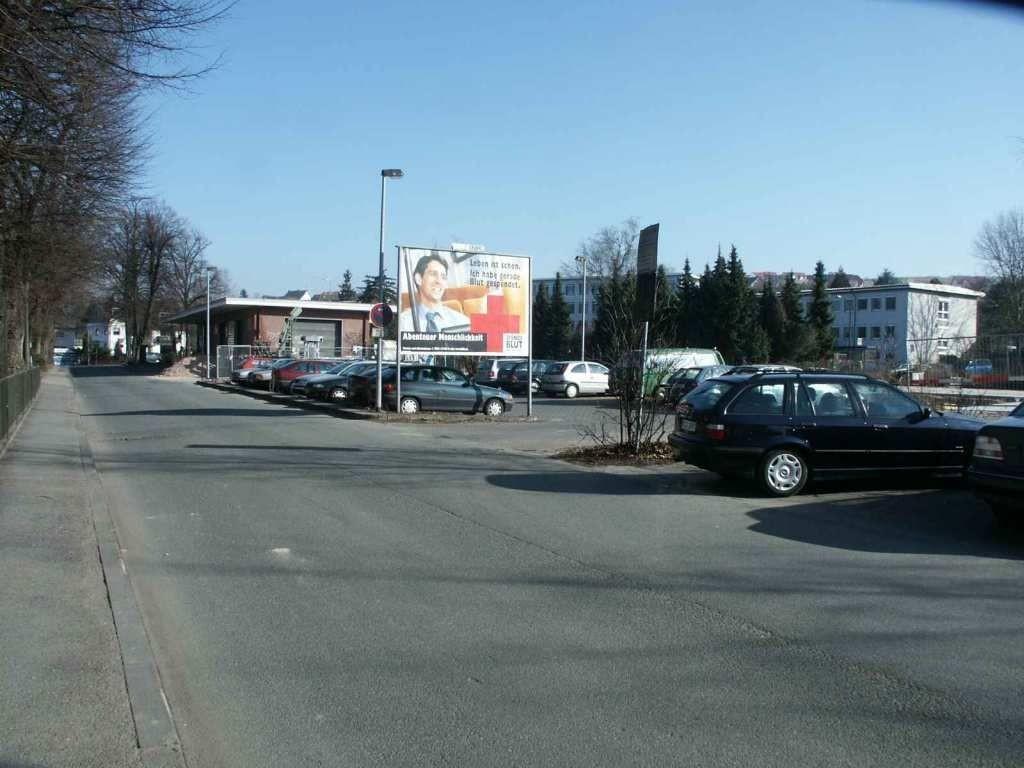Ludwig-Eckes-Allee P+R Nh. Bf VS