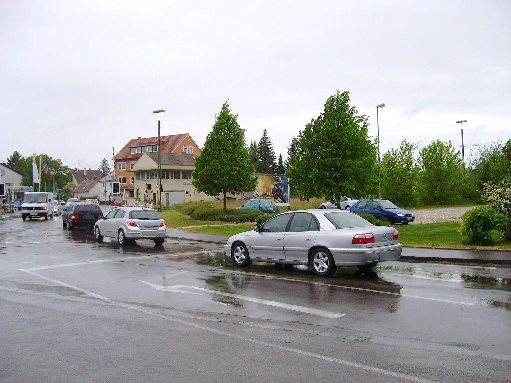 Auer Str. geg. Bahnhofstr./Bahnübergang