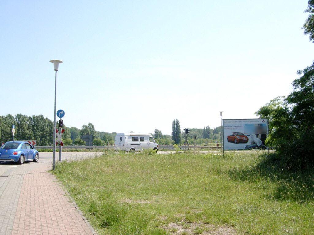 Am Neuen Rheinhafen/Heinkelstr. re.