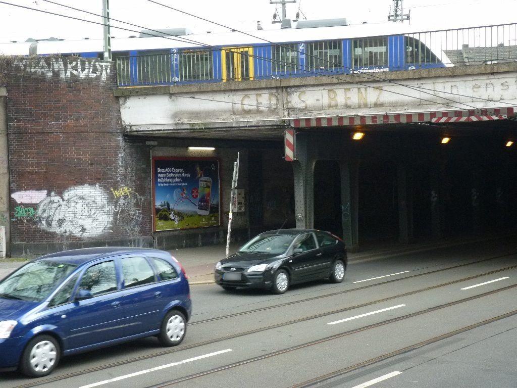 Hüttenstr./Gustav-Poensgen-Str.