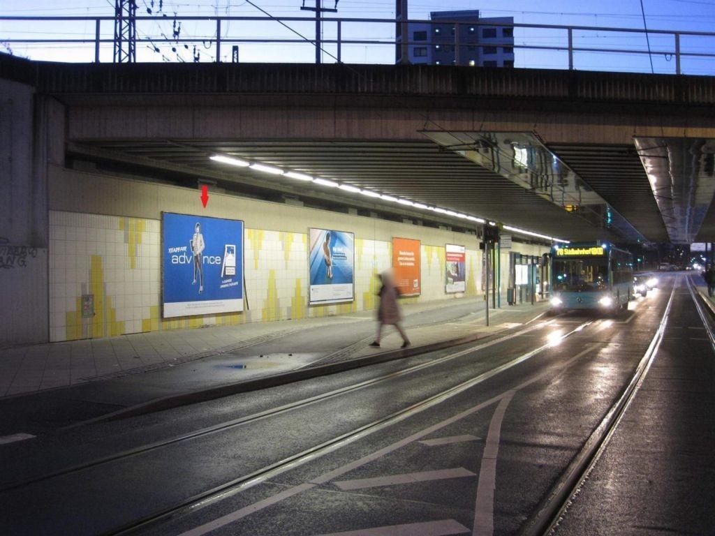 Stresemannallee, Ufg., sew., 1. Sto.