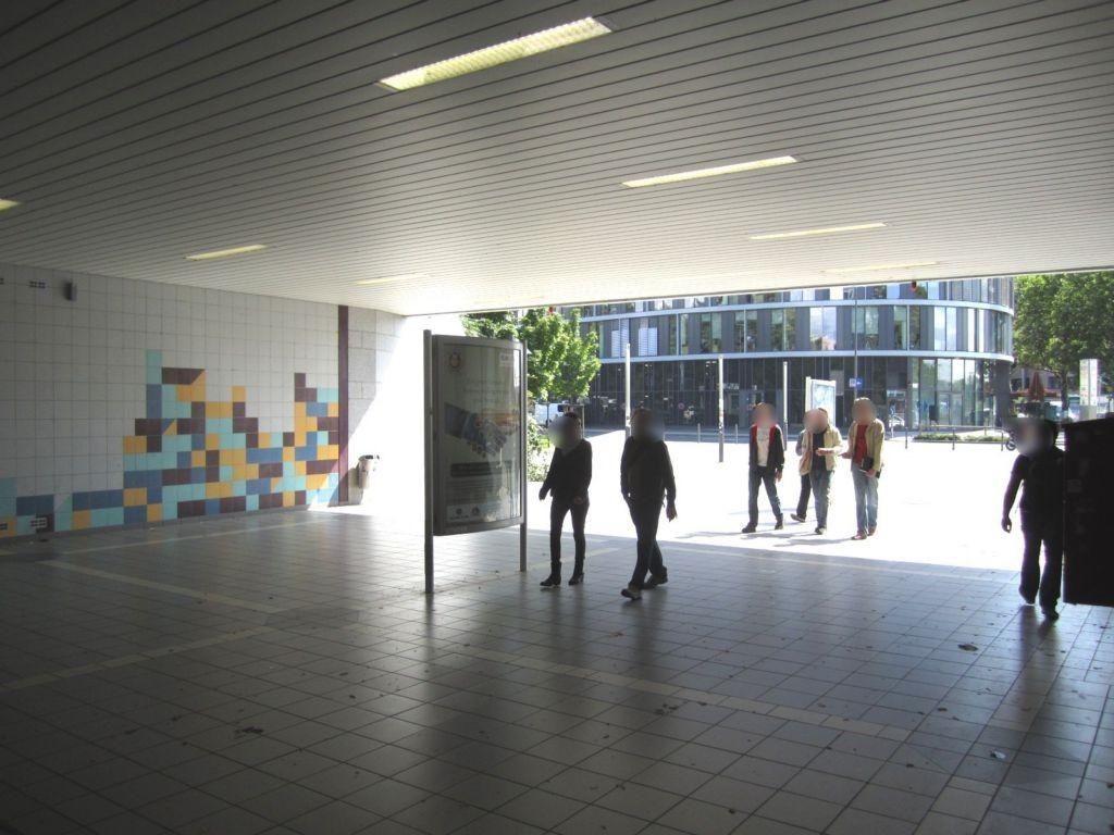 Hanauer Landstr. 99/Ostbf /V 2 v. HU-Ldstr. aus li