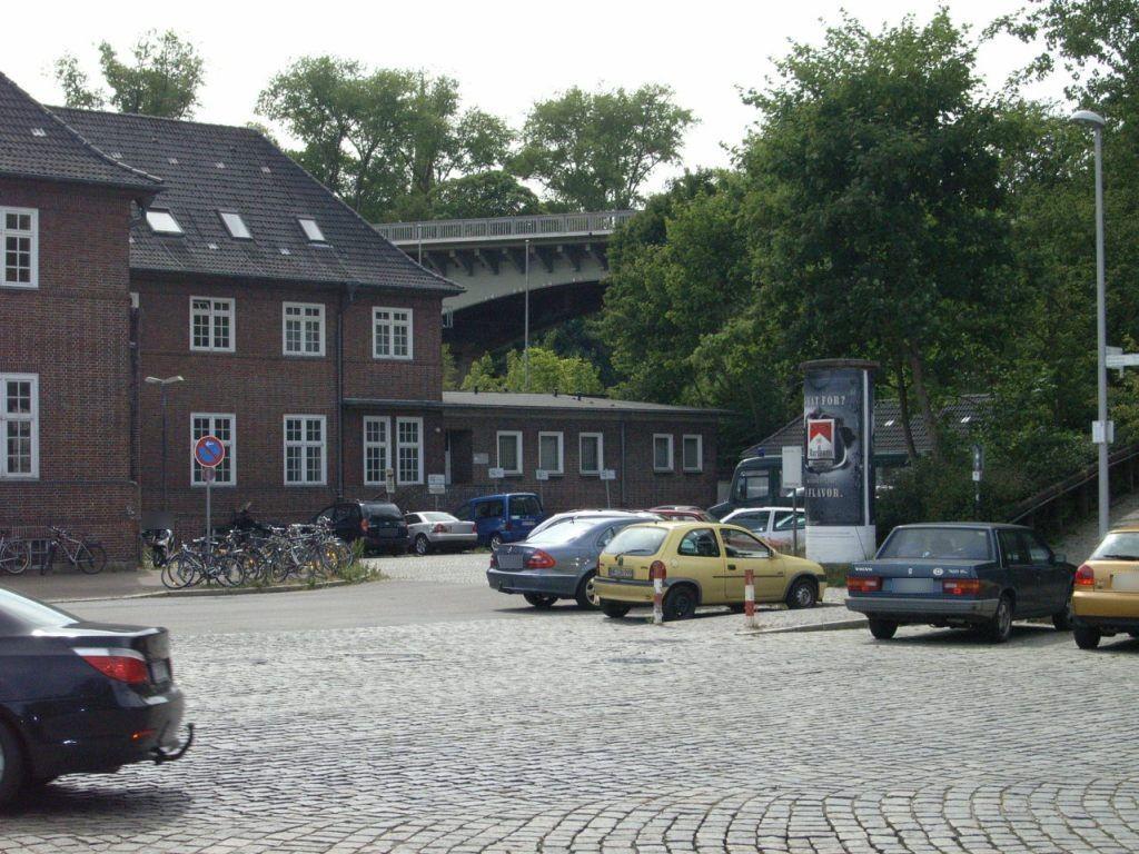 Bf, Bahnhofsvorplatz