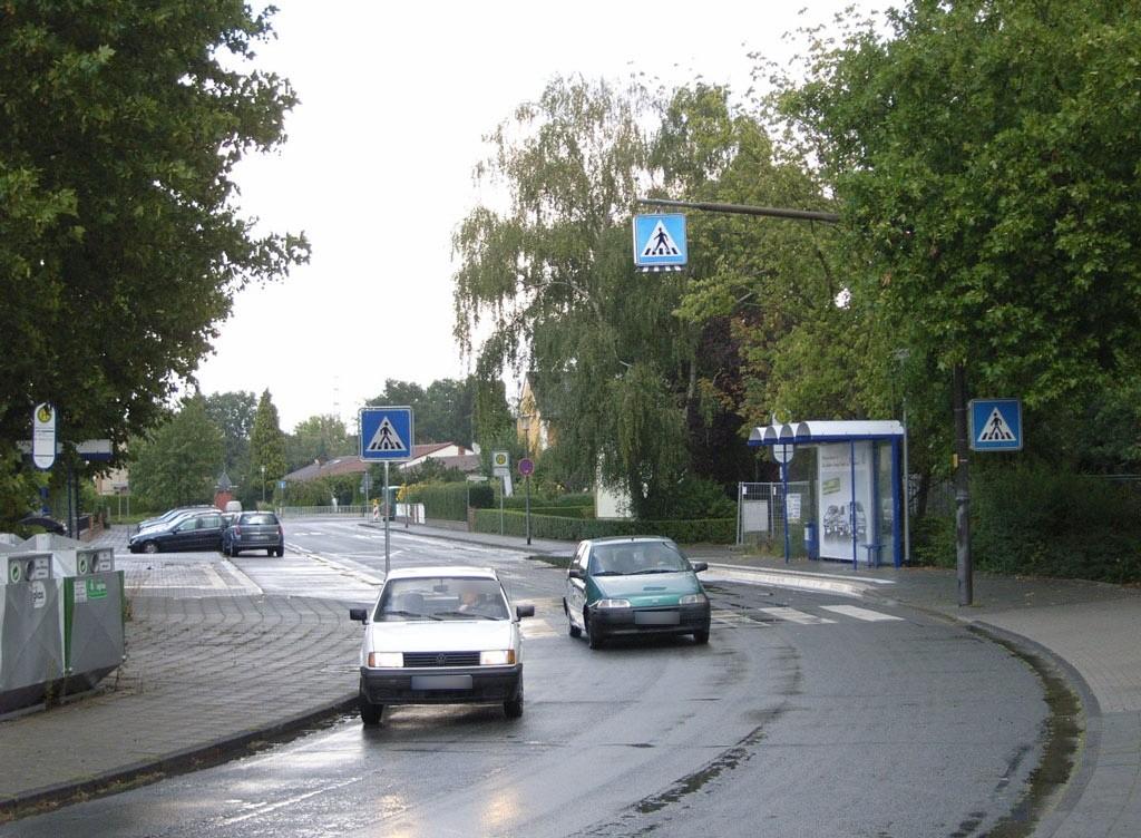 Feuerbachstr. 89/Schule