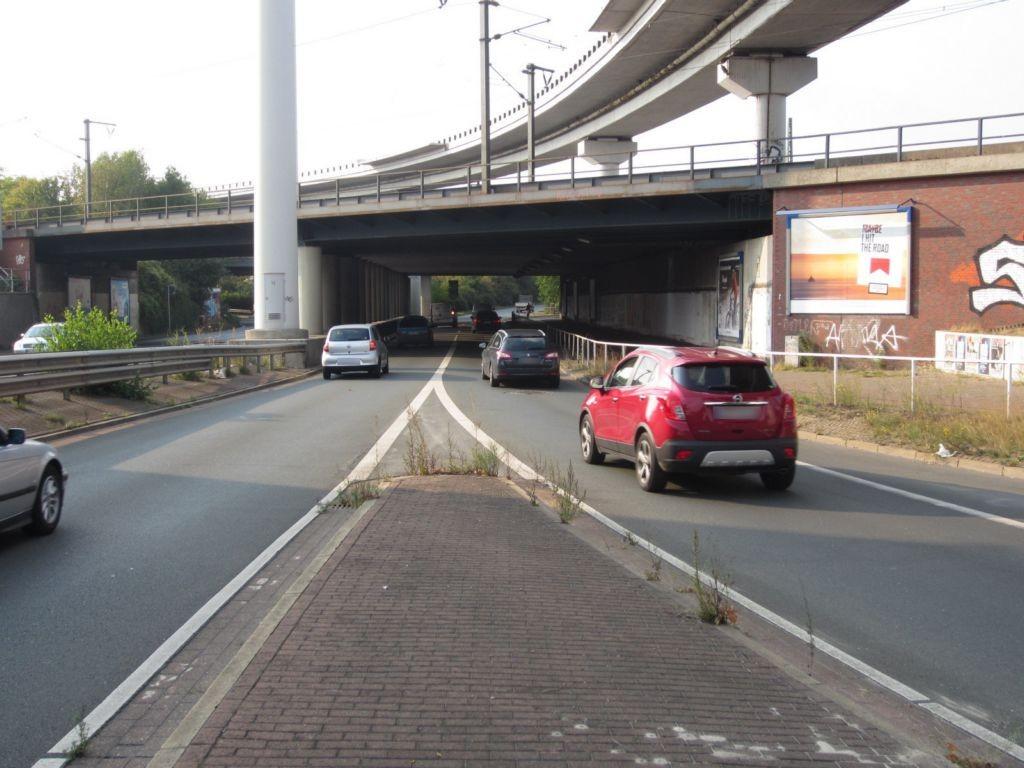 Breitenweg geg. 70 re. neb. Ufg. saw.