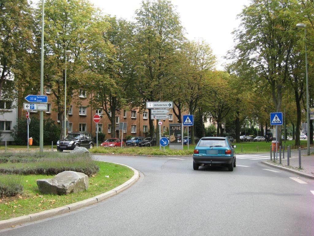 Stadionring/Küppersstr./Si. Kreisverkehr