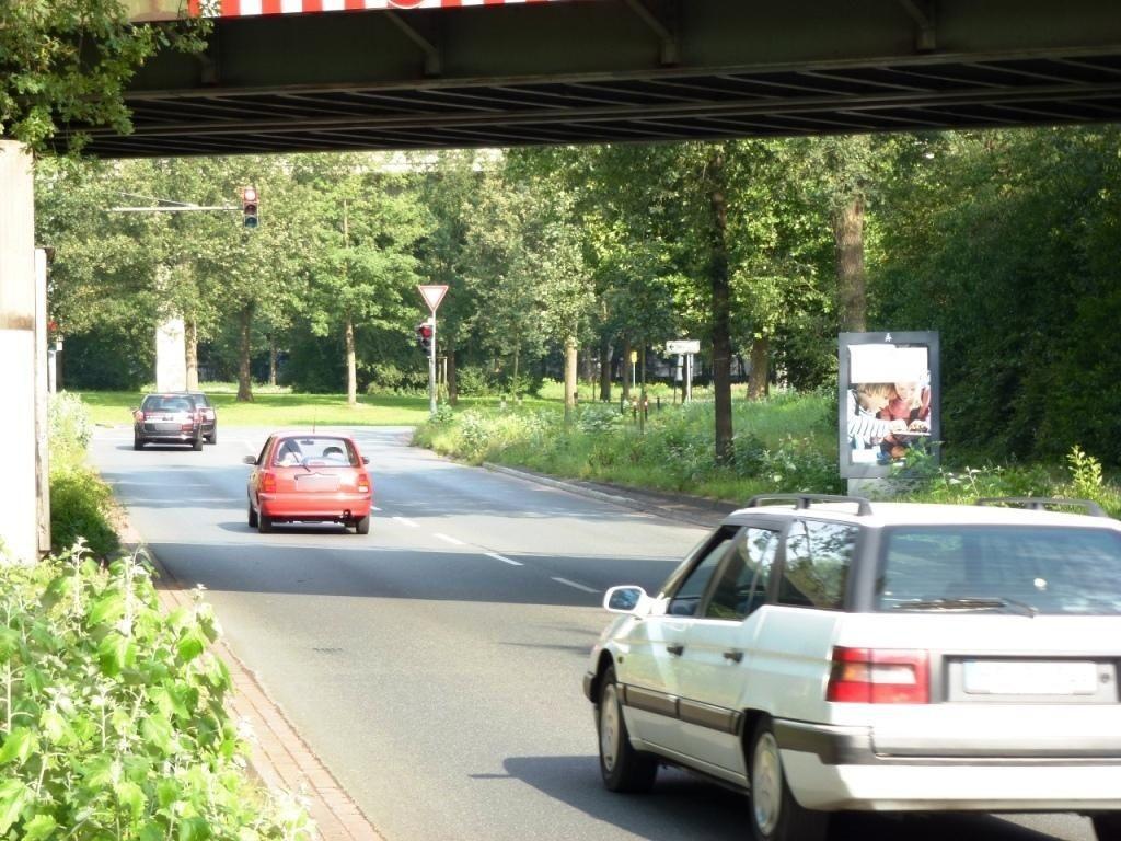 Utbremer Ring/Bahnbrücke VS