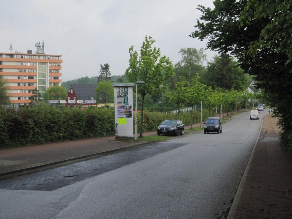 Liselotte-Hermann-Str./Sportplatz