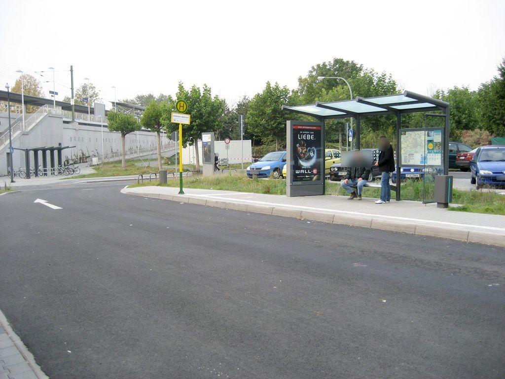 West-Höchster Str./S-Bf Zeilsheim/Buswende/innen