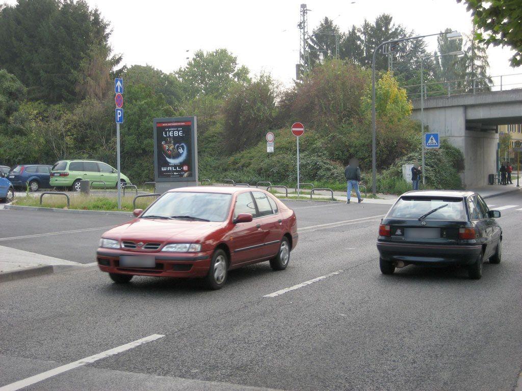 West-Höchster Str./S-Bf Zeilsheim/Buswende/We.li.