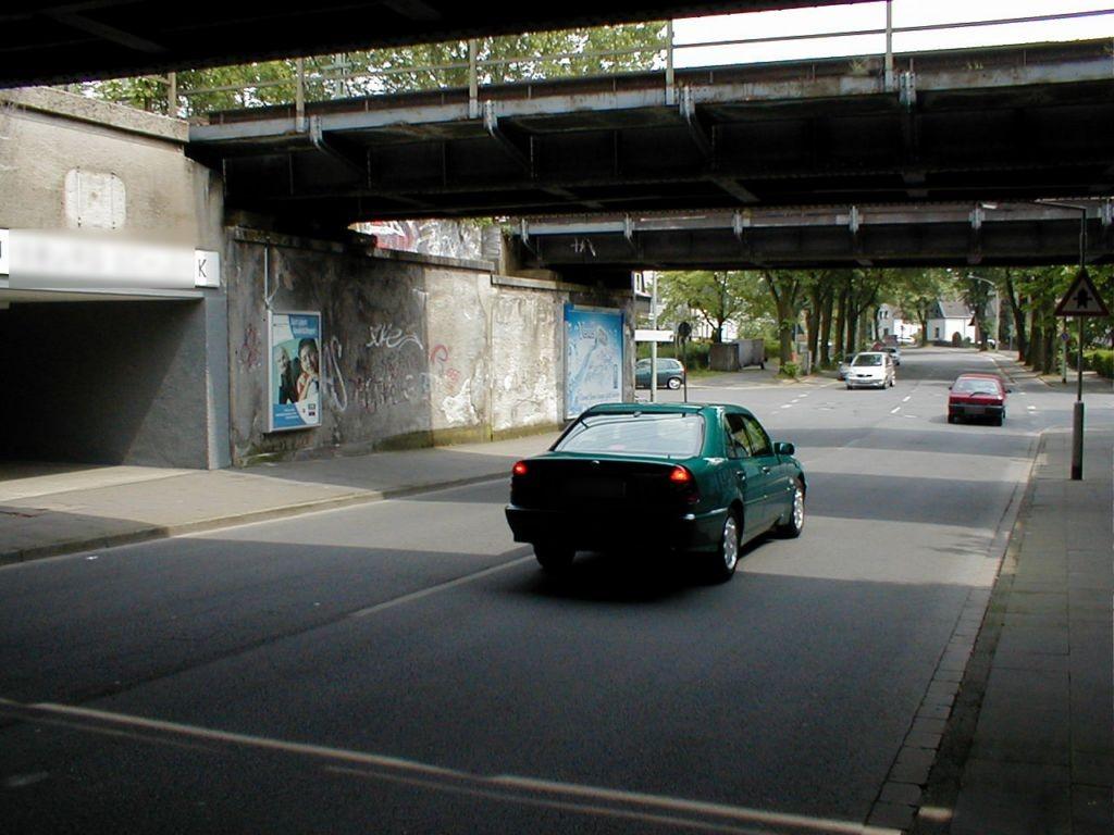S-Bf. Schlenk, Im Schlenk, Bahnhofsvorplatz