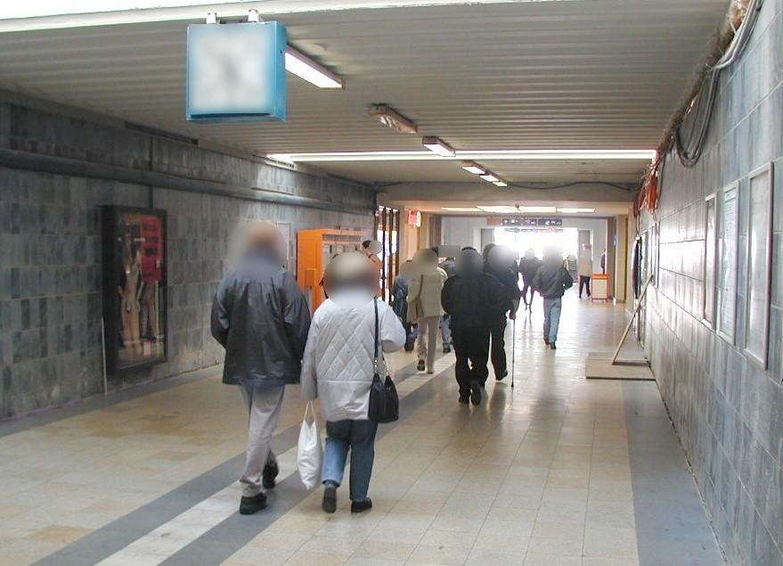 Bf Herne, Bstg.-Ufg., Ri. Bahnsteige, re.