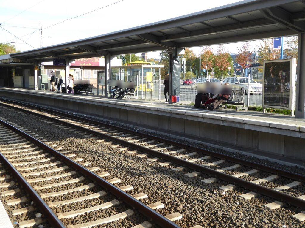 S-Bf Werden/Bstg. Gleis 1/Si. Bstg./2. Sto.