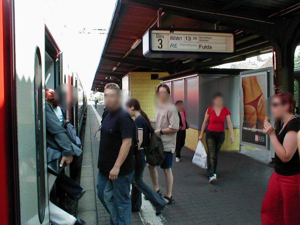 Hbf, Bstg., Gleis 3,am Aufsichtshäuschen
