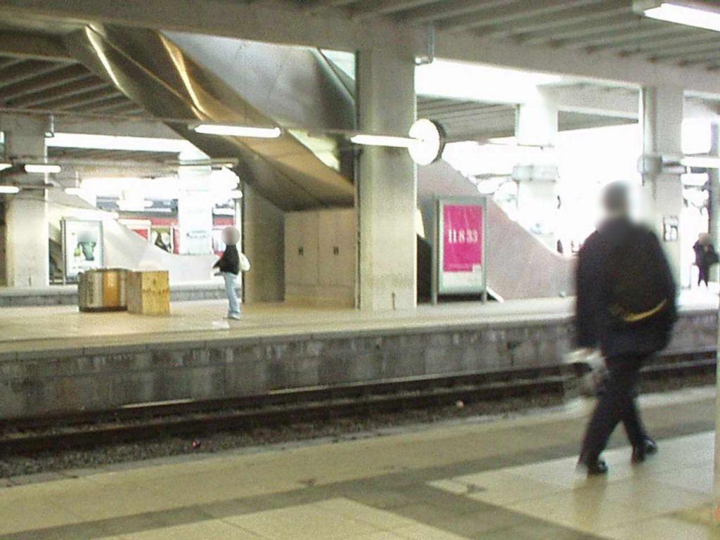 Hbf, Bstg., Gleis 2, 1. Sto.
