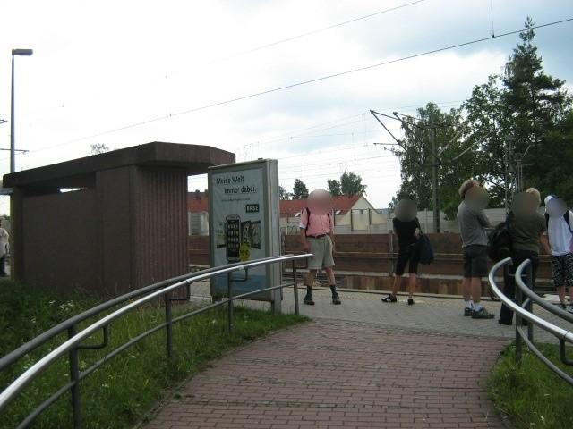 S-Bf Fischbach,Bstg., neb.Fahrausweisautom, Si.Zug