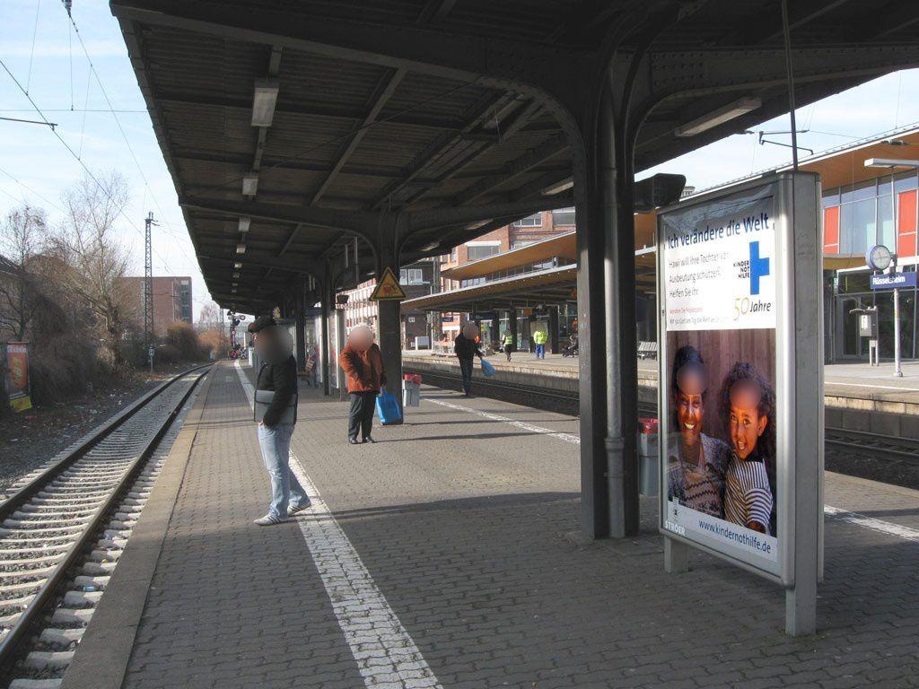 Bf Rüsselsheim Bstg. Gleis 3 neb Fahrkartenautom