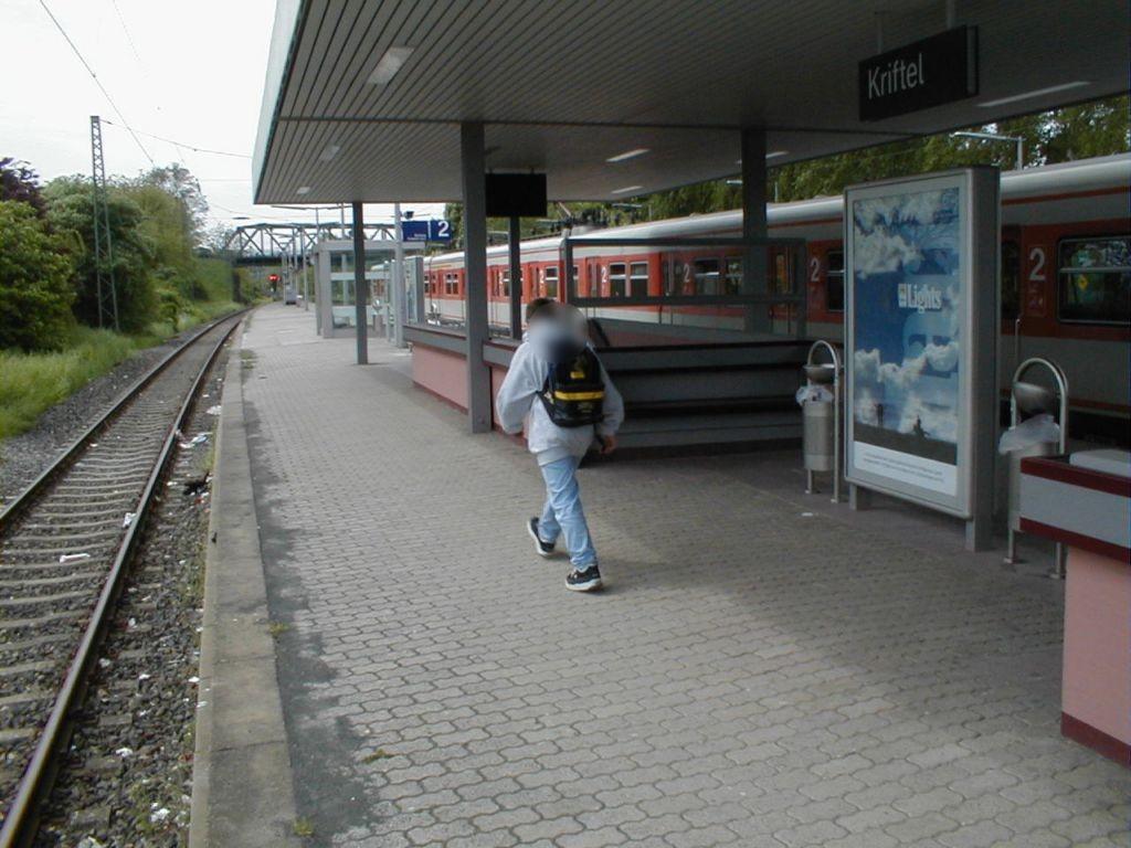 S-Bf Kriftel, Bstg. Gleis 2 mitte RS, DB 274