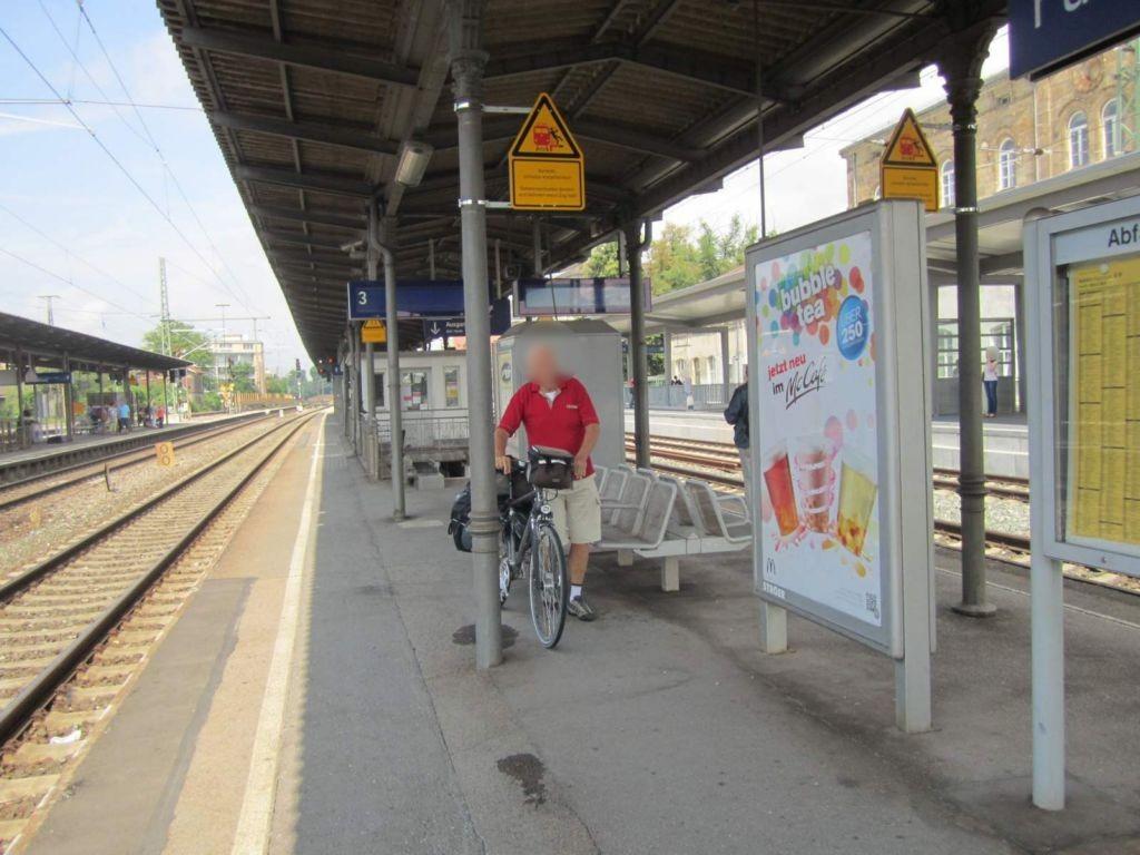 Hbf Fürth, Bstg. Gleis 3, 1. Sto.