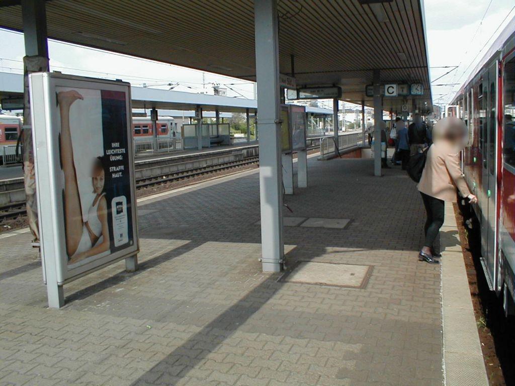S-Bf Süd, Bstg., Gleis 8