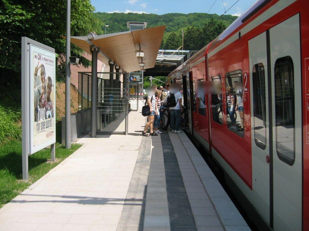 S-Bf Weststadt/Südstadt, Bstg.,Gleis 1
