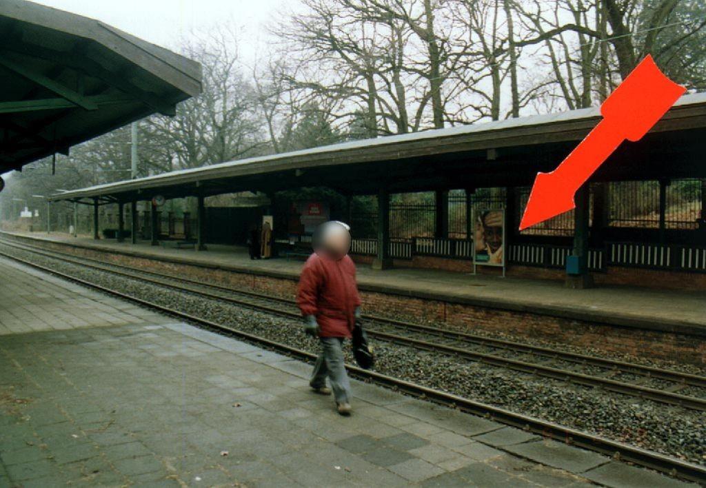 S-Bf Hügel/Bstg. Gleis 2