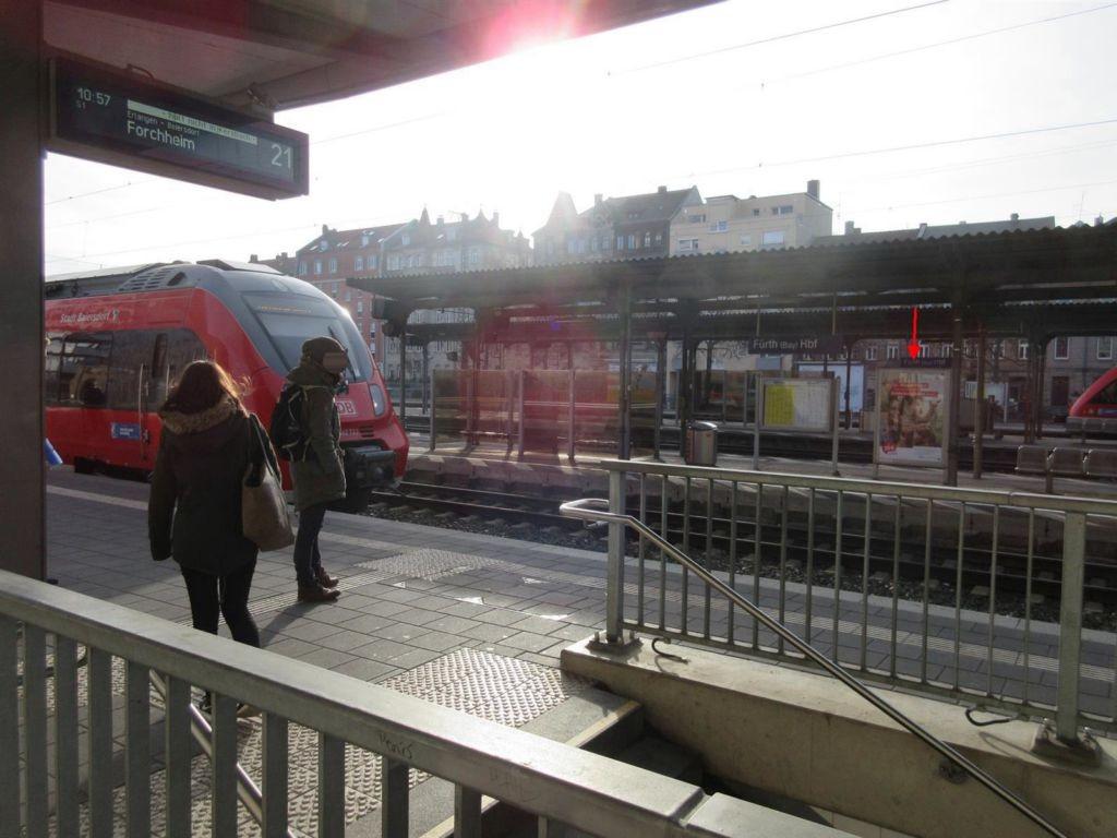 Hbf Fürth, Bstg. Gleis 2, 2. Sto.